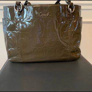Patent leather gray Coach shoulder handbag
